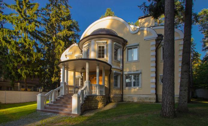 Дом 650 м<sup>2</sup> (18 сот.) в поселке Коттон Вей