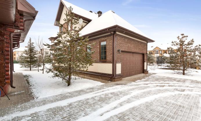 Дом 550 м<sup>2</sup> (20 сот.) в поселке Княжье Озеро